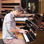 Voir l'evenement : (Re)compositions /  Xavier Thollard Trio