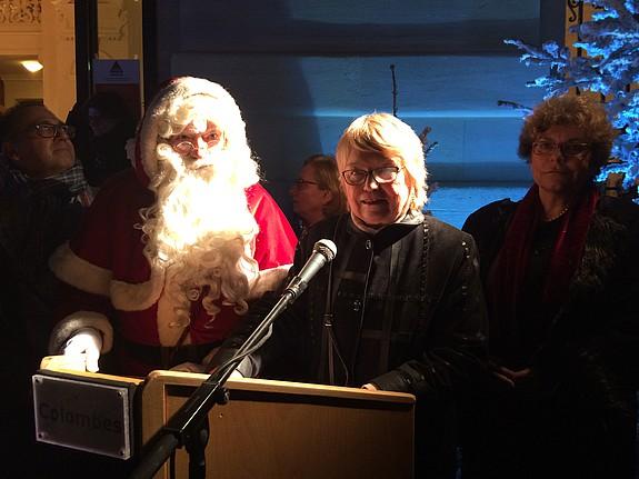 Madame le maire inaugure les festivit s de no l ville de colombes - Bureau de poste colombes ...